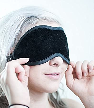 Hot or cold compress on eyes