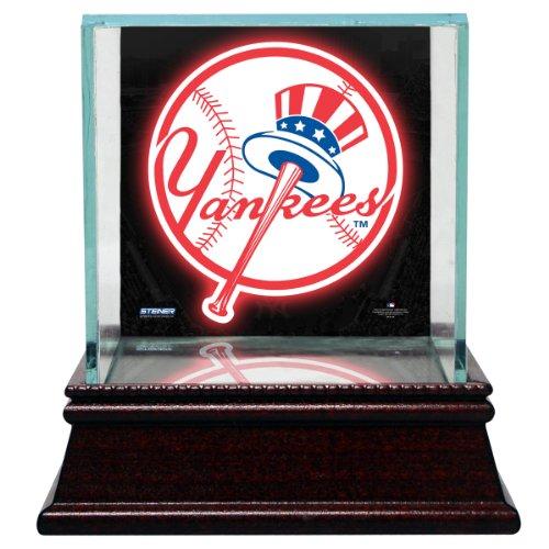 Single Baseball Glass Case (MLB New York Yankees Glass Single Baseball Case with Team Logo Background)