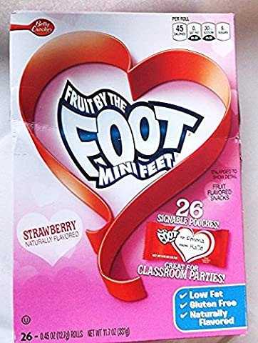 Fruit By the Foot Mini Feet Strawberry Valentine Rolls Fruit Flavored Snacks (3 packs)