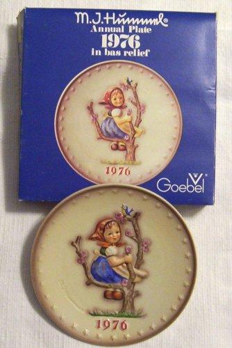 HTF--1976 Goebel Hummel Annual Plate in Original Box -- Mint Condition!!!