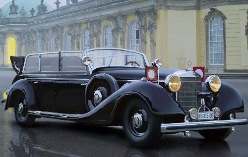 (ICM Models Typ 770K W150 Tourenwagen WWII German Leaders Car Building Kit)