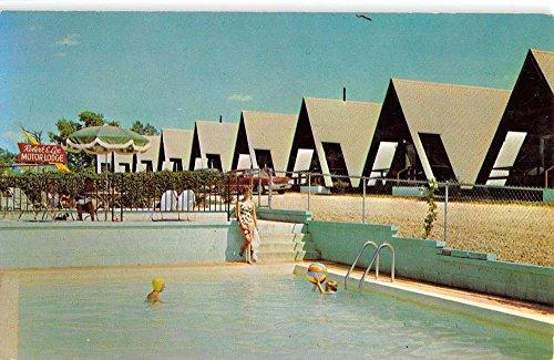Lampe Missouri Tepees Motor Lodge Pool View Vintage Postcard K96003