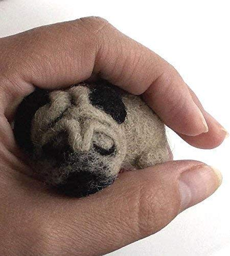 Pug brooch, needle felted dog pin, Custom accessory, animal jewelry for Dog mom Dog dad, Pet lover gift ()