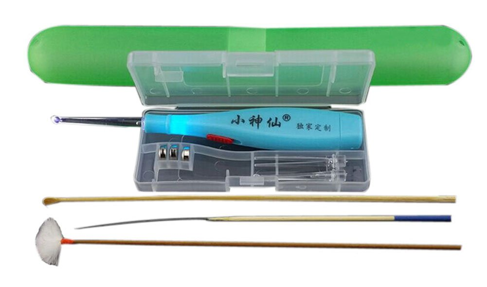 Set of 4 Flash Light Removal Earwax Set/Travel Set, Random color