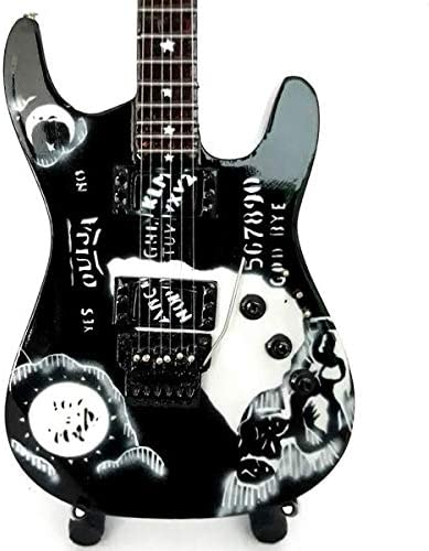 Mini guitarra – Kirk Hammett – V: Metallica - Mini Guitar ...