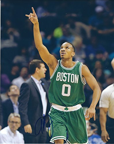 Boston Celtics Autographs (Autographed Avery Bradley 8x10 Boston Celtics)