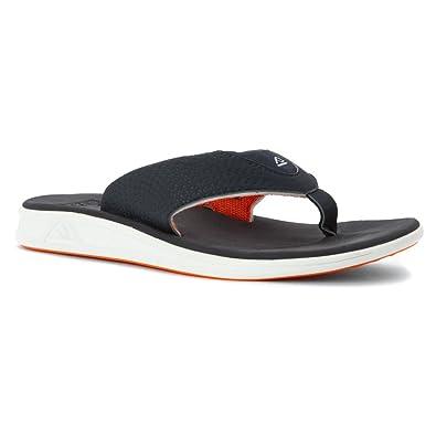 2586cd82e35b Amazon.com  Reef Men s Rover Thong Sandal