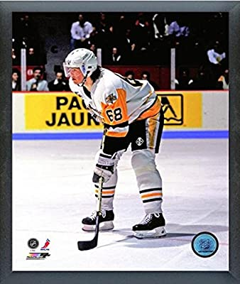 "Jaromir Jagr Pittsburgh Penguins NHL Action Photo (Size: 12"" x 15"") Framed"