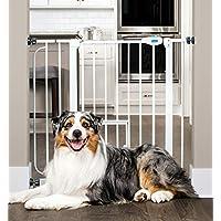 La puerta para mascotas Carlson Extra Wide Walk con puerta pequeña para mascotas, incluye kit de extensión de 4 pulgadas, kit de montaje de presión de 4 paquetes y kit de montaje de pared de 4 paquetes