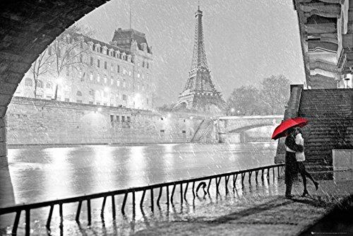 Paris - Eiffel Tower Kiss Poster 36 x (Paris Kiss)
