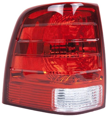 oe-replacement-ford-expedition-driver-side-taillight-assembly-partslink-number-fo2800166