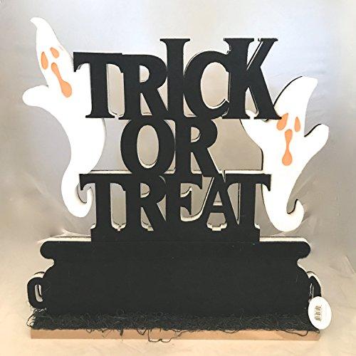 (Haunted Halloween Ghostly Trick or Treat Scene LED Halloween Decor)