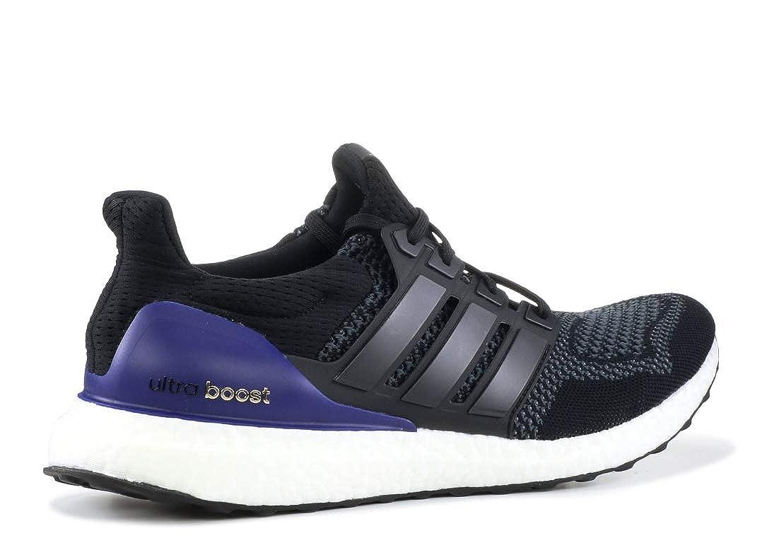 sports shoes b5ba6 a394b Amazon.com   adidas Originals Men s Ultraboost   Fashion Sneakers