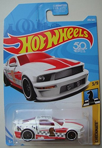 Hot Wheels CHECKMATE 3/9, WHITE '07 FORD MUSTANG 289/365 KNIGHT CHECK PICE