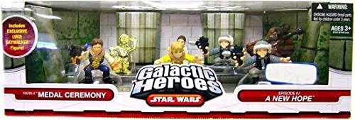 (Star Wars Galactic Heroes Exclusive Deluxe Cinema Scene Mini Figure Multi Pack Yavin IV Medal Ceremony)