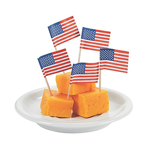 Fun Express - Usa Flag Cake Picks for Fourth of July - Party Supplies - Serveware & Barware - Picks & Stirrers & Parasols - Fourth of July - 144 Pieces -