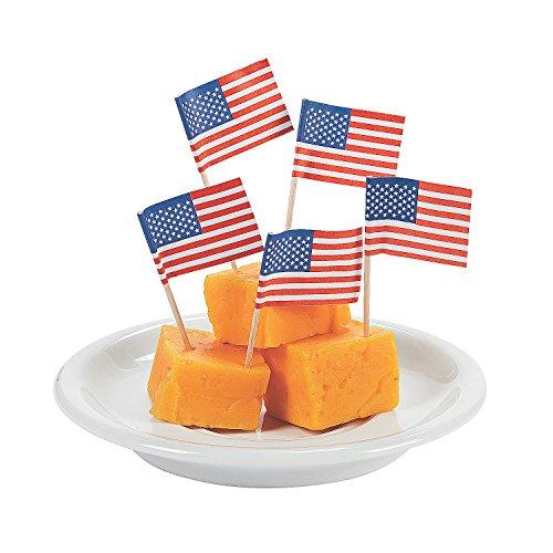 Fun Express - Usa Flag Cake Picks for Fourth of July - Party Supplies - Serveware & Barware - Picks & Stirrers & Parasols - Fourth of July - 144 Pieces (Flag Party Picks)