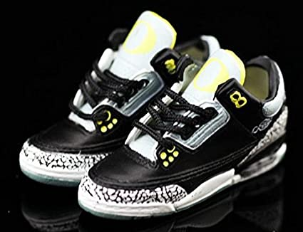 new concept 8432f b3fb8 Amazon.com   Air jordan III 3 Retro Oregon Duck Pit Crews PE Cement  Sneakers Shoes 3D Keychain Figure 1 6   Everything Else