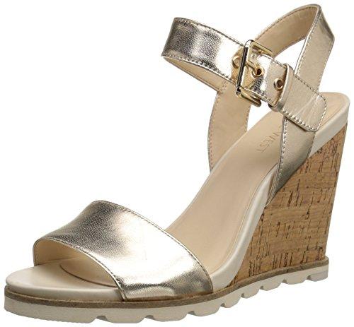 Nine West Women's Gronigen Metallic Wedge Sandal, Light Gold, 7 M US (Gold Metallic Wedge Sandals)