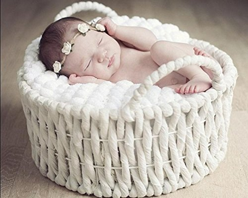 Blankets Woven Photo (AiXiAng Newborn Baby Photo Props Basket Infant Photography Prop White Handmade Woven Round Handle Basket)