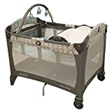 Graco Pack n Play Playard with Reversible Napper and Changer Soho Squares