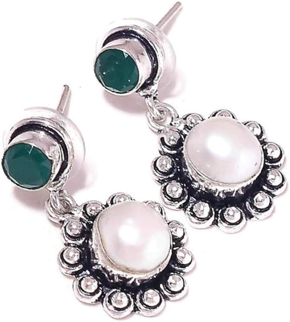 River Biwa - Pendientes colgantes para mujer con perlas blancas, ónix verde, chapados en plata, hechos a mano
