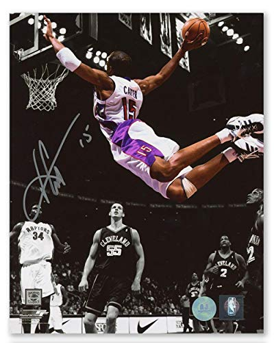 Signed Vince Carter Photo - Air Canda Spotlight Dunk 8x10 - Autographed NBA Photos