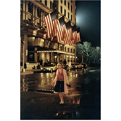 Sex and the City Sara Jessica Parker as Carrie Bradshaw by Flags 8 x 10 Inch Photo ()