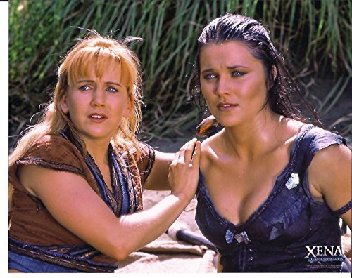 Xena Warrior Princess Lucy Lawless   Renee Oconnor Photo  3 On The Ground