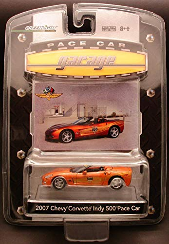 Greenlight Pace Car Garage Series 1:64 Scale 2007 Chevy Corvette Indy 500 Pace Car 1 of 6