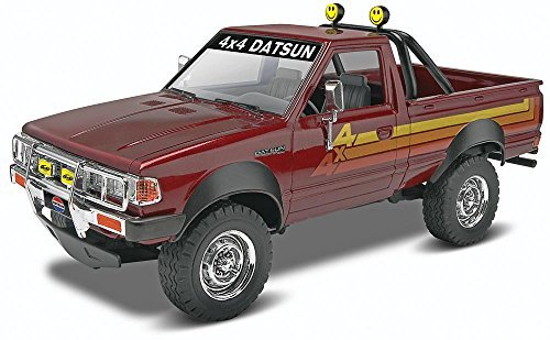 datsun plastic model kit - 4