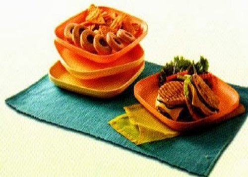 Tupperware Snack Plates (set of 4)