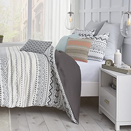 3 Piece Full Queen Unisex Geometrical Comforter Set Contemporary Classic Abstract Pattern Dynamic Stunning Modern Design Solid Color Reverse Patterned Adorable Charcoal Grey Black White Color