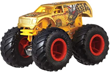 Amazon Com Hot Wheels Monster Trucks 4 Wheel Hive Suv Connect And Crash Car Included 41 50 1 64 Gold Sport Utility Vehicle With Giant Wheels Toys Games