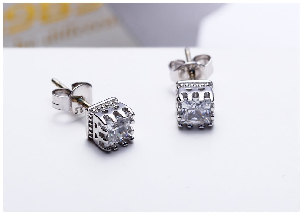 Pratinthip New Hot Pick! White AAA Zircon Crystal Office Lady Jewelry Unisex Silver 925 Jewelry Stud Earrings