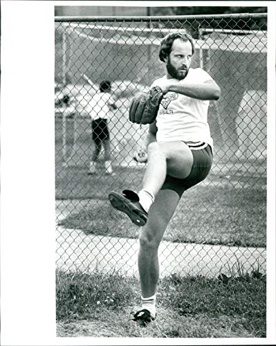 - Vintage Photos 1981 Press Photo Sports Dave Ford Baltimore Orioles Baseball Major League 8x10