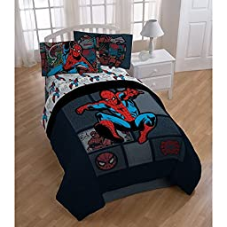 Marvel Spiderman \'Jump Kick\' Reversible Twin Comforter