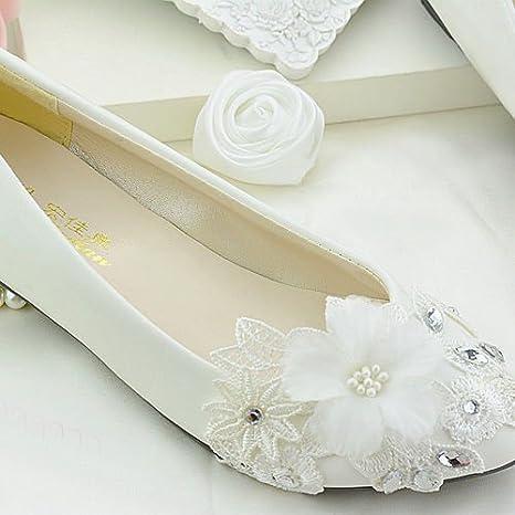 ae1185b25267 JINGXINSTORE White Lace Floral Bridal Wedding Shoes High Heels Flat  Platform Perform  Amazon.co.uk  Sports   Outdoors