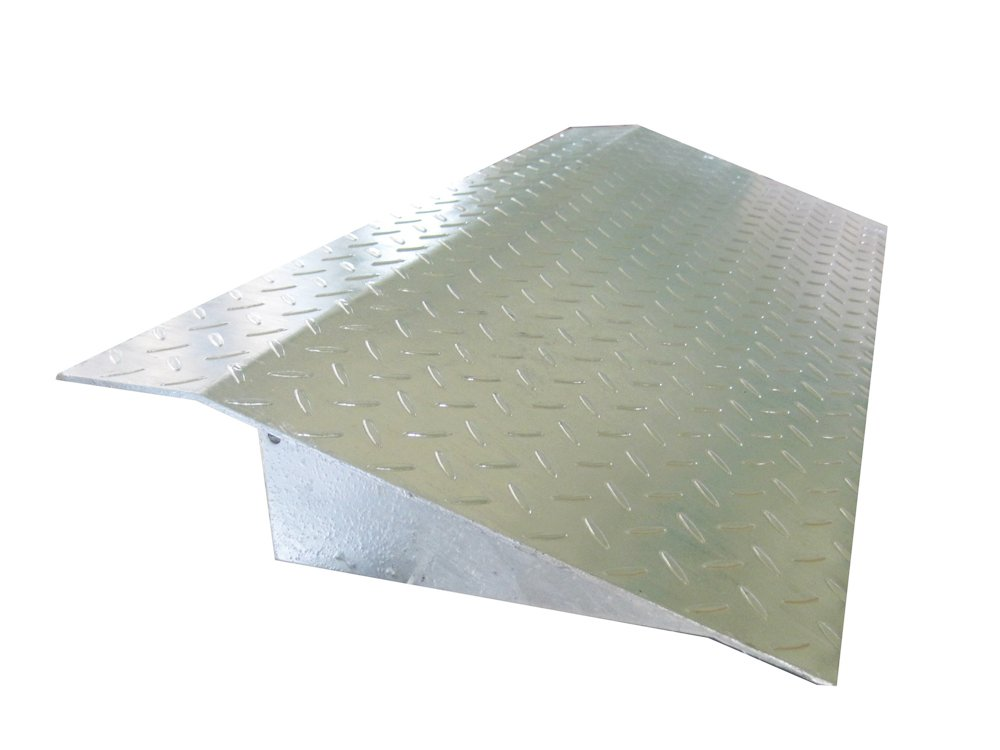 縞鋼板製歩道上り 乗用車用 適用段差150mm 長さ1000mm HSL-1000-15 B00D2QB2KQ 13641