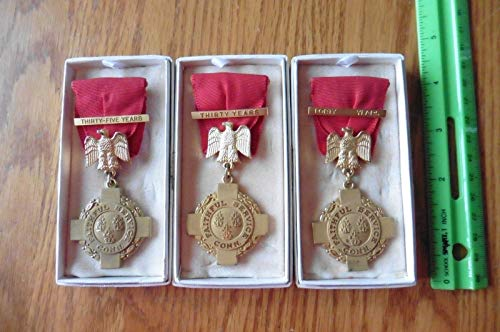- WWII Connecticut National Guard Medals 30 35 40 yrs faithful Service Vintage Pin