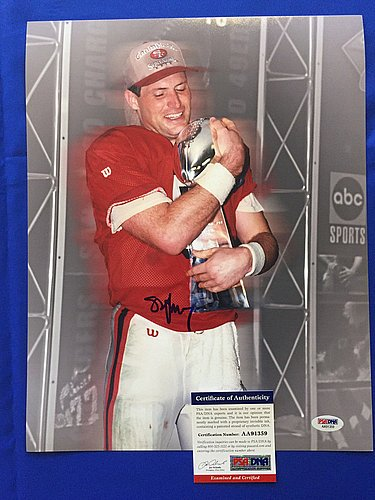 Steve Young Hand Signed (Steve Young Hand Signed 11x14 Photo San Francisco 49ers PSA/DNA Coa)