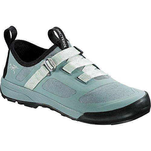 Arc'teryx Women's Arakys Approach Shoe Freezing Fog/Dewdrop 6 B US