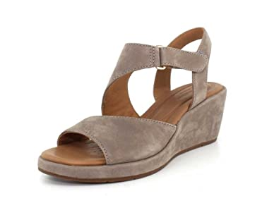 ba9c3b77dc8 Image Unavailable. Image not available for. Color  CLARKS Women s Un Plaza  Sling Warm Grey Nubuck ...
