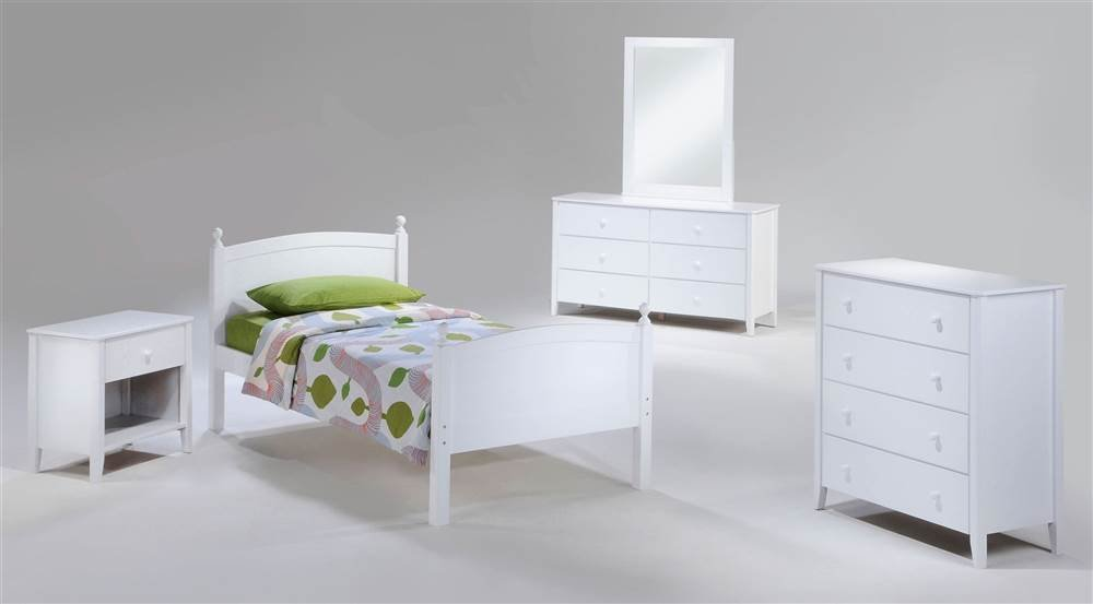 Licorice Bedroom Set in White