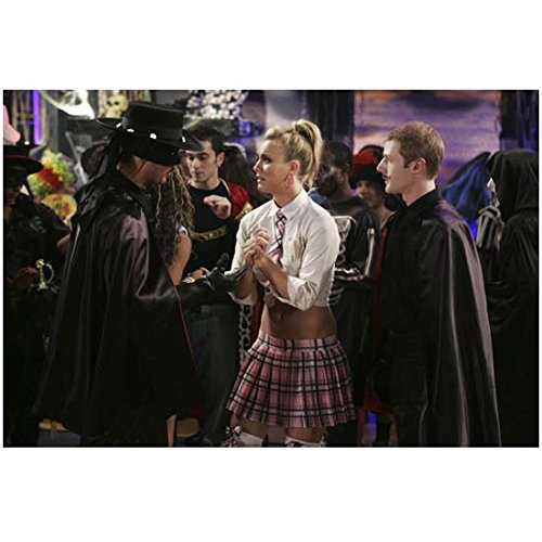 8 Simple Rules 8 x 10 Photo Kaley Cuoco-Sweeting/Bridget Hennessy Between Zorros at Costume Party - Simple Celebrity Costumes