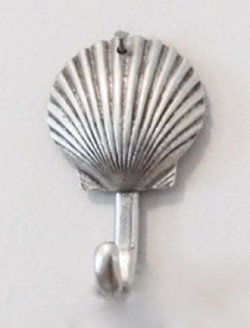 NEW ITEM MEDIUM SCALLOP SHELL HOOK ANTIQUE SILVER