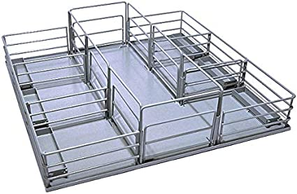 1//16th Scale Little Buster Toys Cattle Feeder Heavy Duty Metal Cattle Feeder in Red