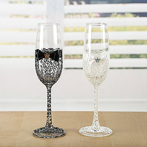 Wedding champagne glasses with hand painted lace pattern