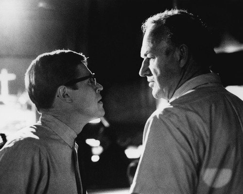 Gene Hackman and Willem Dafoe in Mississippi Burning squaring up 16x20 Poster -