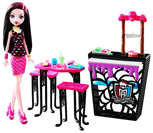 Monster High Beast Bites Cafe Draculaura Doll & -